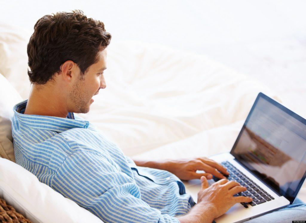 encontrar pareja hombre internet