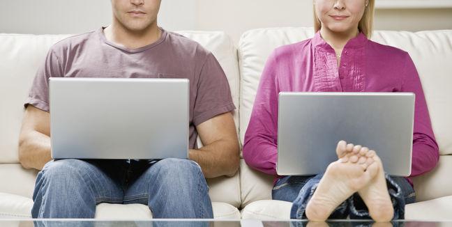 encontrar pareja hombre y mujer ordenador
